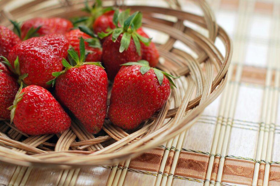 How to Grow Strawberries – Gardening Tips - Gardening Sun